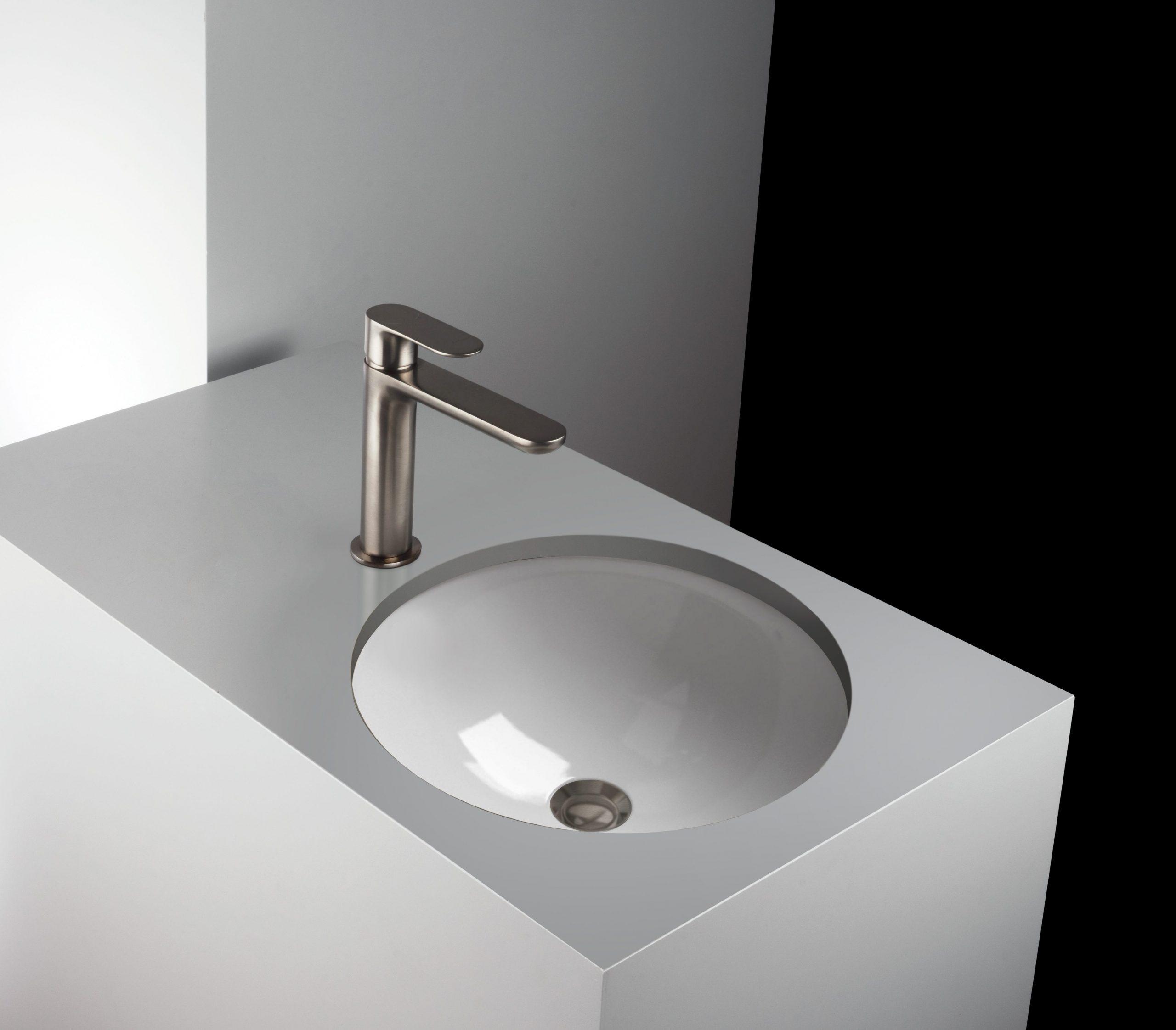 rubinetti bagno, monocomando lavabo finitura inox, idrosanitaria lecco
